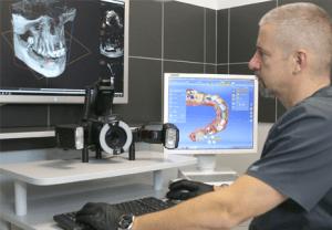 Profesjonalna fotografia wewnątrzustna, skanowanie cyfrowe zębów oraz tomografia CBCT to podstawy nowoczesnej diagnostyki w stomatologii oraz implantologii