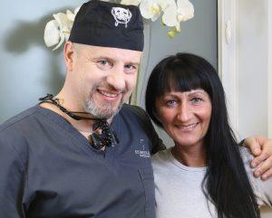 Dr Cegielski z pacjentką